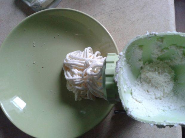 Sernik kasztanowy z kawową pianką