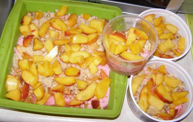 Sernik na zimno malinowo-brzoskwiniowy