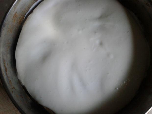 Sernik na zimno z porzeczkową wkładką