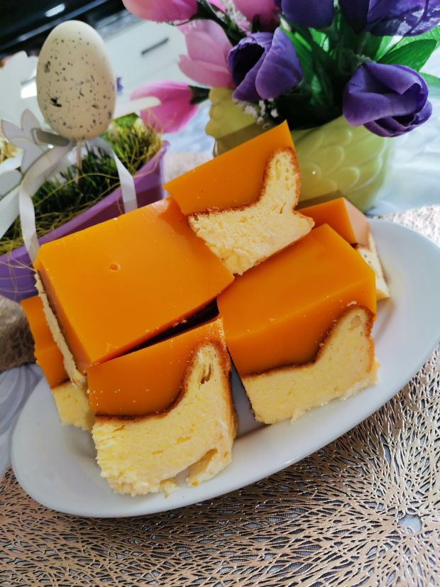 Sernik pieczony z pulpą mango