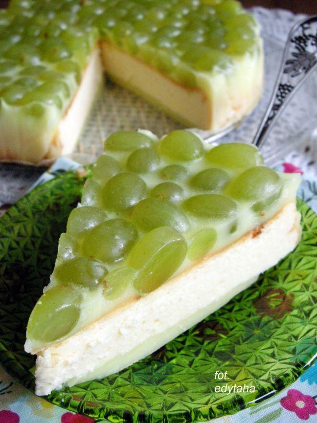 Sernik (pieczony) z winogronami i galaretką