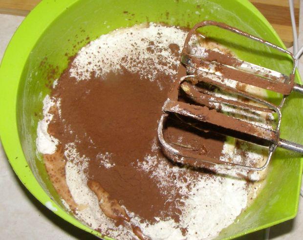 Sernik twarogowo-jogurtowy na spodzie babkowym