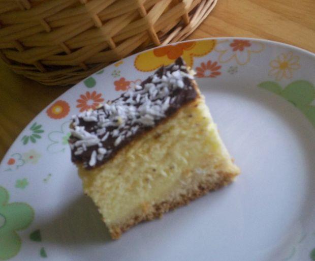 Sernik waniliowy z polewą czekoladową
