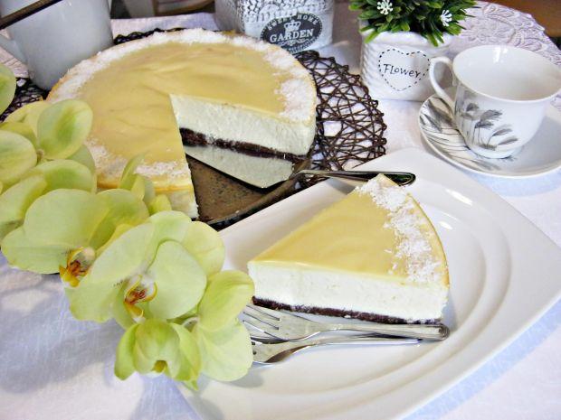 Sernik z białą czekoladą i koksem
