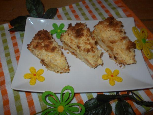 Sernik z brzoskwiniami, kokosem i kaszą manną