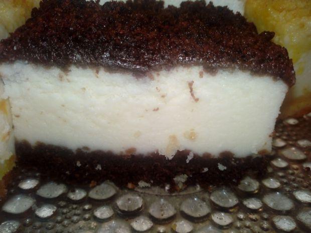 Sernik z kakaową kruszonką