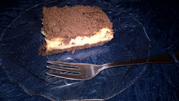 Sernik z kakaowym ciastem