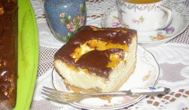 Sernik z pomarańczą na herbatnikach