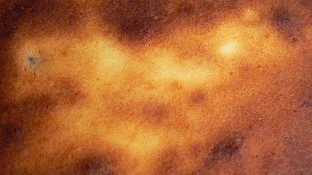 Sernik z rodzynkami i skórką pomarańczową