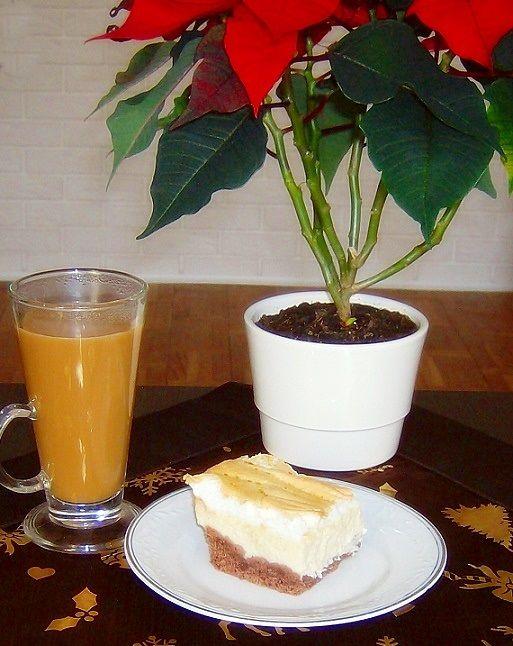 Sernik z rosą na czekoladowym spodzie