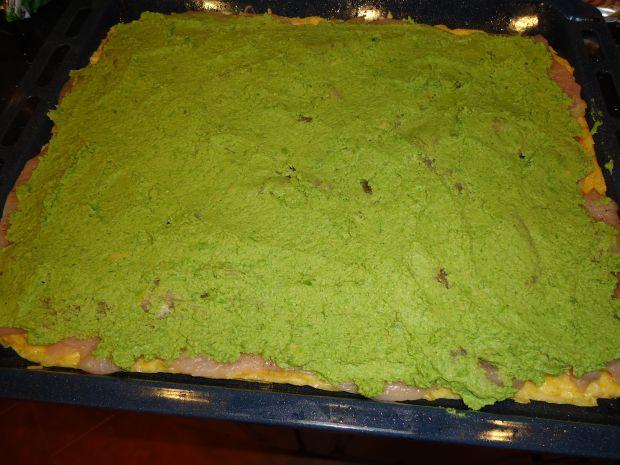 Serowa rolada z zielonym farszem