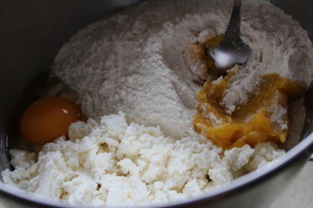 Serowe kluski z dyniowym puree