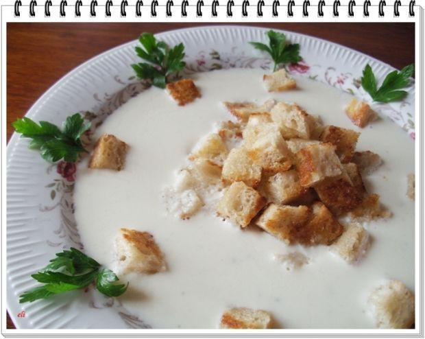 Serowo-czosnkowa zupa krem Eli