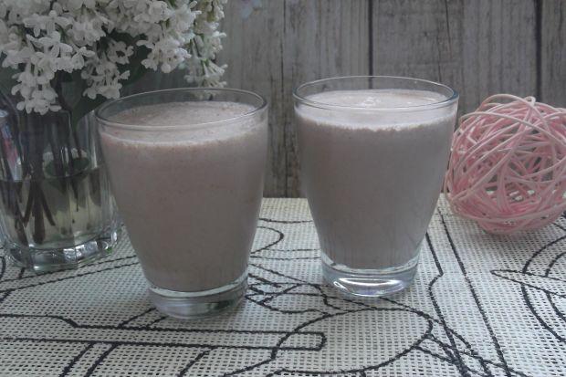 Shake czekoladowo-chałwowy