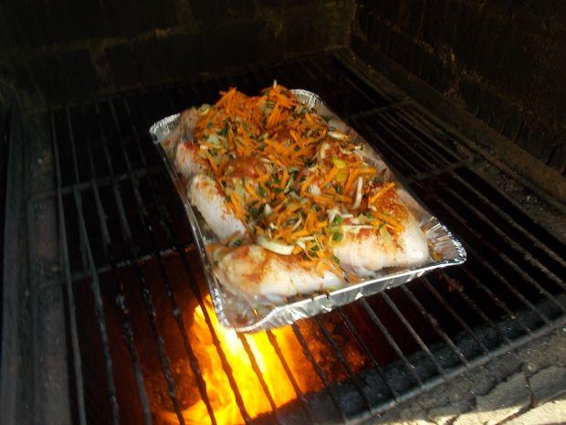 Skrzydełka z warzywami z grilla