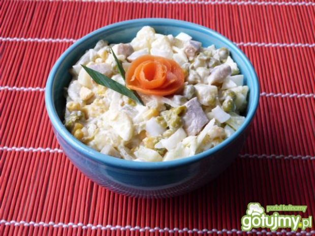 Śledziowo-ziemniaczana sałatka z jajkami