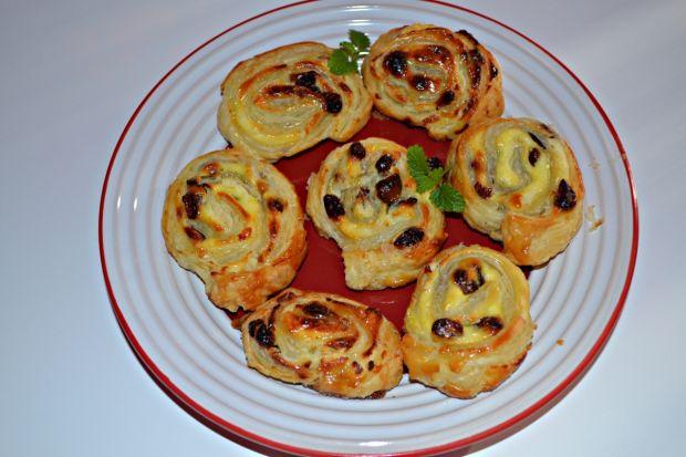 Ślimaczki francuskie z serem i rodzynkami