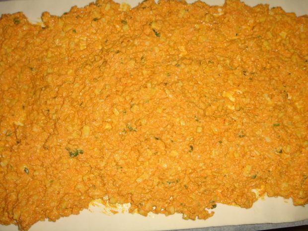 Ślimaczki z marchewką, cheddarem i mozzarellą