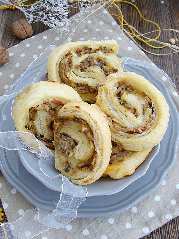 Ślimaczki z szynką i serem camembert