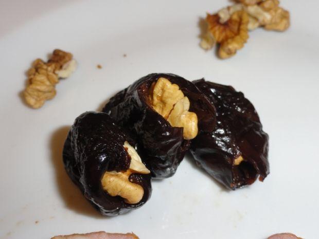 Śliwki suszone w bekonie