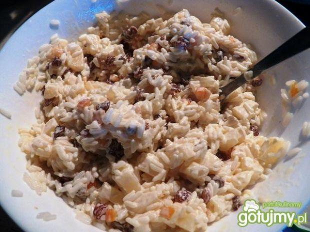 Słodka sałatka ryżowa