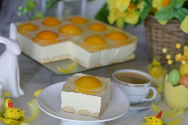 Słodkie jajko sadzone czyli sernik z brzoskwiniami