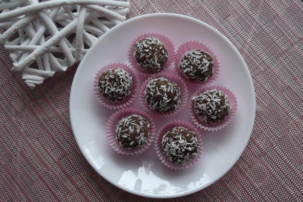 Słodkie kulki daktylowo-kokosowe