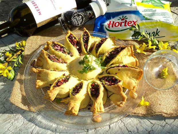 Słoneczna tarta ze szpinakiem ,serem i warzywami