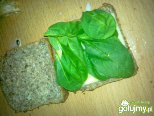 Słonecznikowy tost z dodatkami