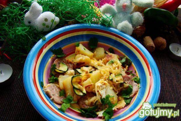 Smażone warzywa z białą kiełbasą