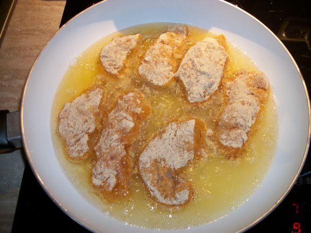 Smażony kurczak w panierce kukurydzianej