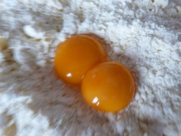 Śmietankowy sernik z granatem