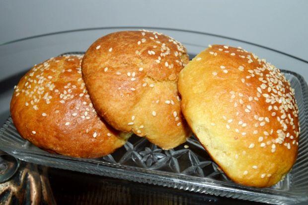 Śniadaniowe bułeczki z sezamem