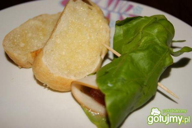 Śniadaniowe roladki z grzankami