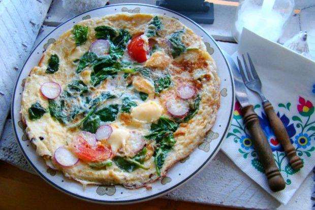 Śniadaniowy omlet ze szpinakiem