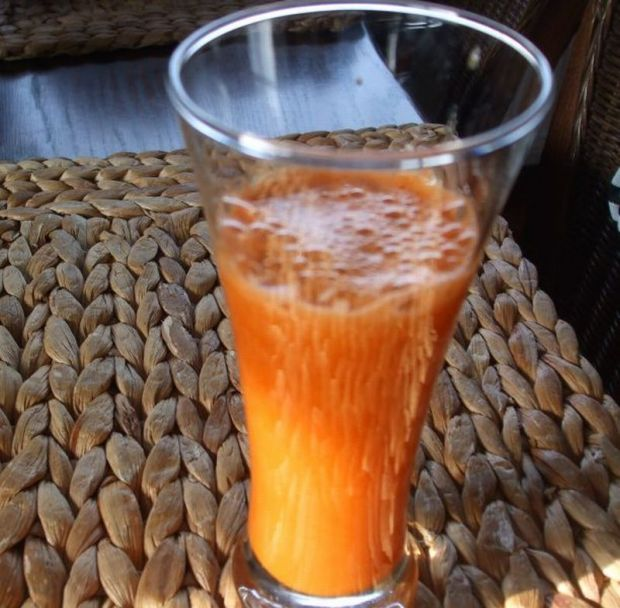 Sok z marchwi i cytrusów