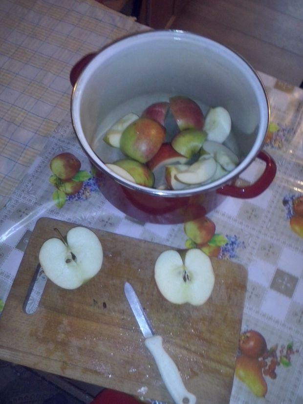 Sok z marchwi i jabłek na zimę