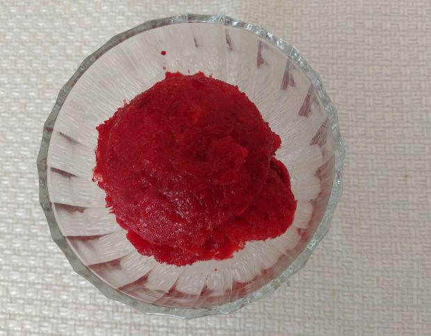 Sorbet z mrożonych truskawek