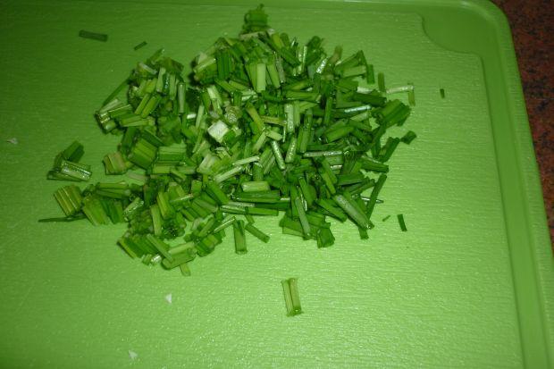 Sos czosnkowo-szczypiorkowy