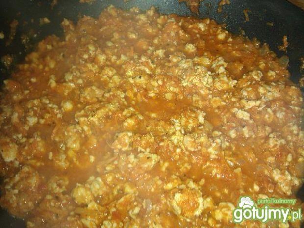 Sos do spaghetti z kurczaka i pomidorów