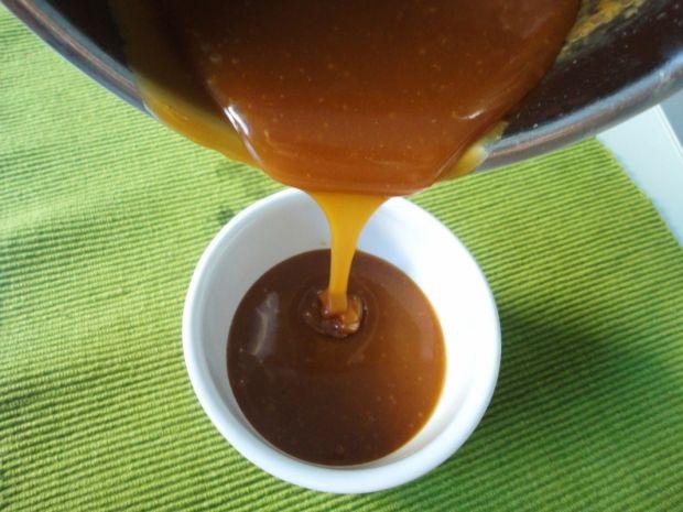 Sos karmelowy z solą