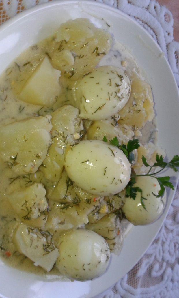 Sos koperkowy z jajkami na twardo