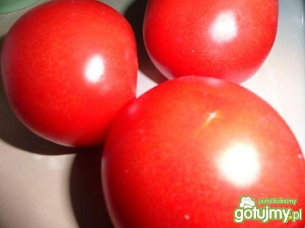 Sos pomidorowy z kurczakiem i warzywami