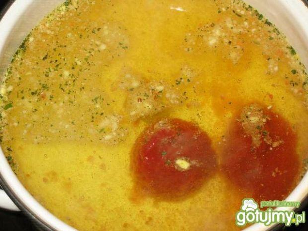 Sos pomidorowy z natką do gołąbków