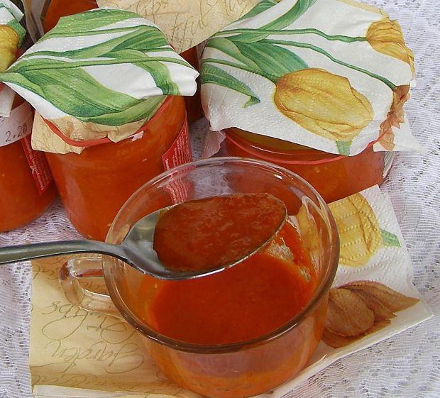 Sos pomidorowy z ostrą papryką