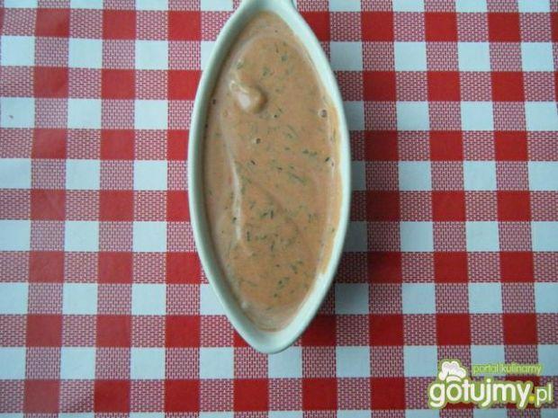 Sos pomidorowy z pastrenakiem