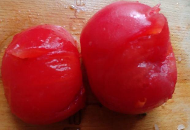 Sos pomidorowy z suszonymi śliwkami