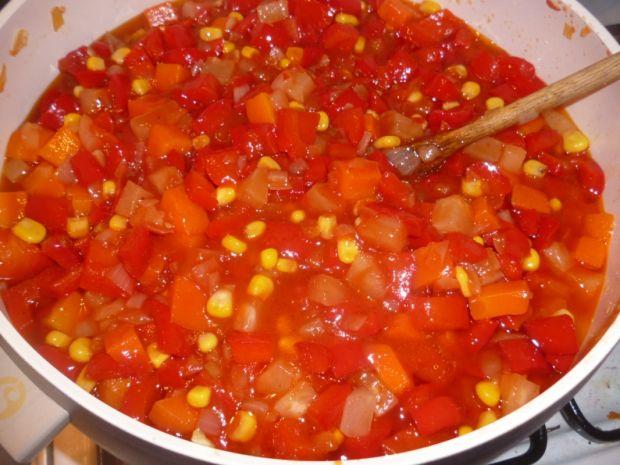 Sos z marchewką i papryką do słoika