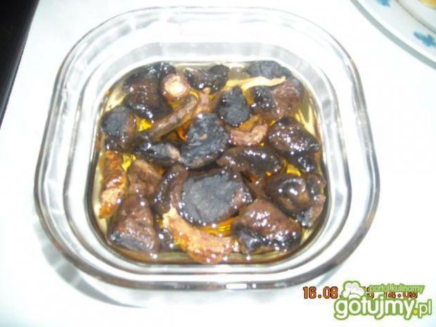 Sos z suszonych grzybów leśnych