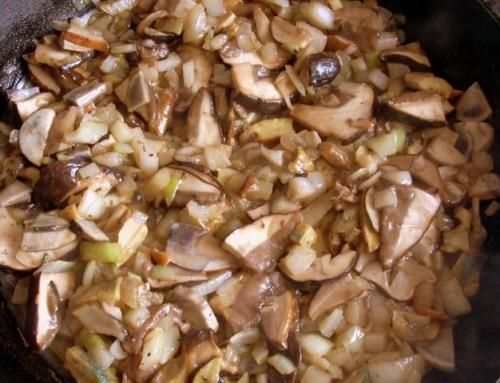Sos ze świeżych grzybów leśnych